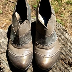 Fidji Metallic Shades of Gray Bootie